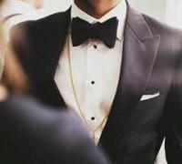 成熟男人头像西装男