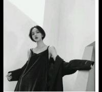 qq头像女生伤感黑白图片