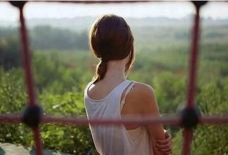 经典情感心情语录:我一个人,只是忽然很想你